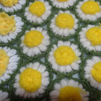 1970s Field of Daisies Hand Crocheted Afghan Throw or Blanket, 42 x 43 Inches, Vintage Textiles, Car Blanket, Throw, Vintage 1970s Decor