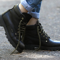 SHEARLING Ankle Boots Black Leather Combat Faux Fur Insulated Winter 90s Grunge Granny Work Booties Rugged size women Us 8.5 , Eur 39 , UK 6