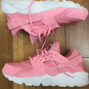 FREE USPS DELIVERY Baby Pink colored Nike Huaraches