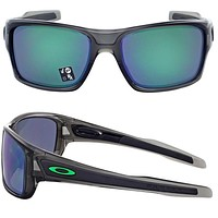 NEW Oakley Turbine sunglasses Grey Smoke w/ Jade Iridium Polarized oo9263-09
