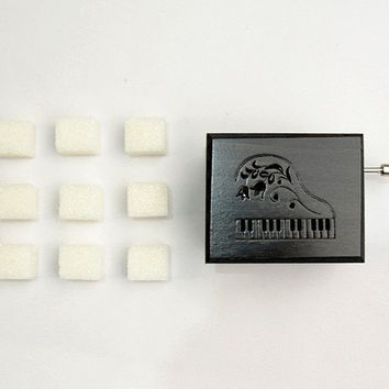 Piano ornament anniversary gift elegant black and white graphite grey music box piano Hungarian Raphsody Franz Ferenc Liszt