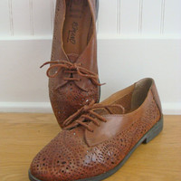 1980s Oxford Flats / Brown Leather Shoes / Lace Up Womens 80s Shoes / 7