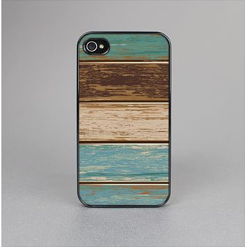 The Wooden Planks with Chipped Green and Brown Paint Skin-Sert Case for the Apple iPhone 4-4s