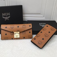 MCM Full Letter Flip Clutch Two-piece Card Set Brown