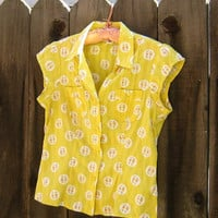 Vintage Yellow Shirt with Sprigs of Flowers / Short Sleeve Yellow Cotton Top / S or XS