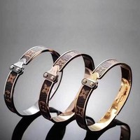 LV Female Fashion Trend Printed Gold Bracelet