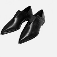 POINTED FLAT STRETCH LEATHER SHOES DETAILS