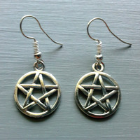 Pentacle Star Five Point Pentagram Wicca Witch Occult Silver Dangle Charm Earrings
