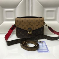 Louis Vuitton Bag #2911