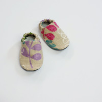 Handmade Soft Cloth Baby Moccs / Moccasins / Booties / Crib Shoes Flowers Floral Tan