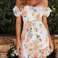 Summer women's sexy one-necked print flounces