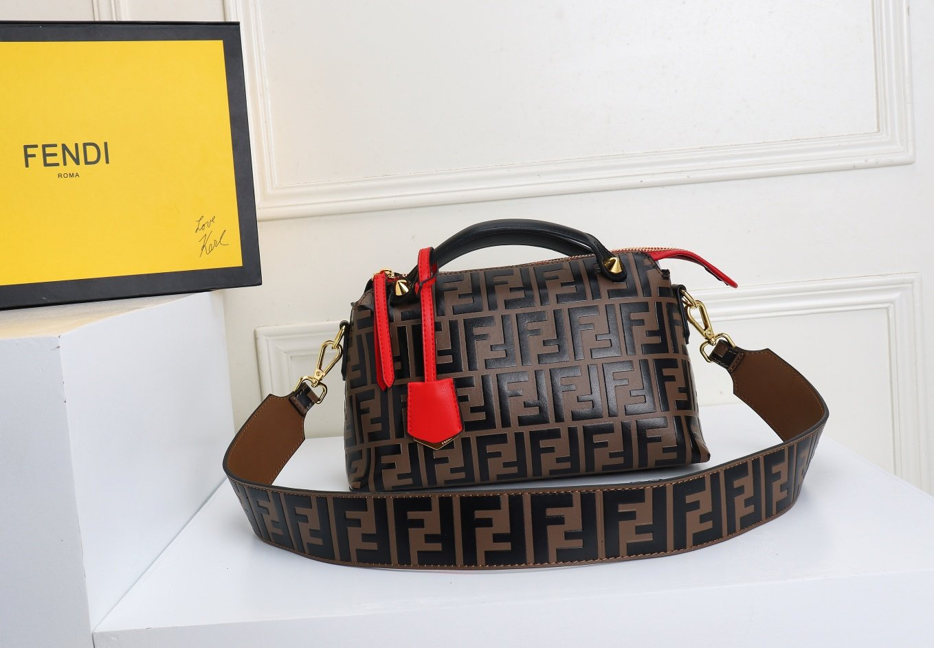 Image of FENDI WOMEN'S LEATHER BY THE WAY HANDBAG INCLINED SHOULDER BAG