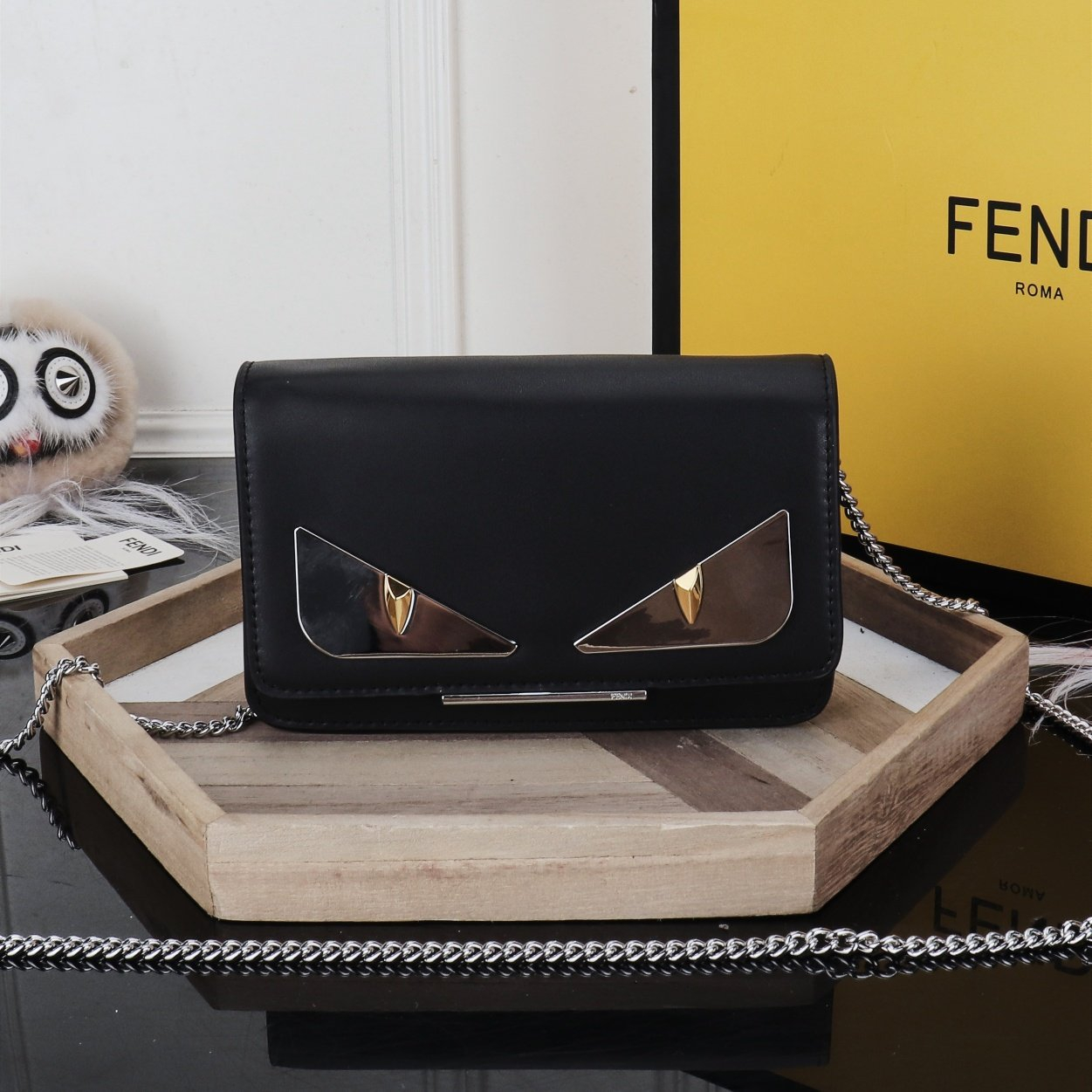 Image of FENDI WOMEN'S LEATHER INCLINED CHAIN SHOULDER BAG