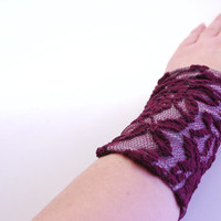 Reversible Stretch Wrist Bracelet Light GRAY and BURGUNDY LACE Fashion accessory Women Teens Wrist Tattoo Cover