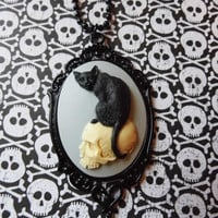 Black Cat Dead Skull Morbid Black Flower Goth Steampunk Rockabilly Necklace Pendant Cameo