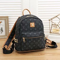 Louis Vuitton LV new trendy large-capacity rivet fashion backpack