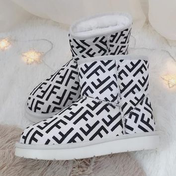 FENDI 2018 winter new non-slip short boots warm snow boots White
