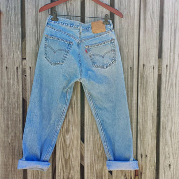 Vintage LEVI'S 501 Jeans - High Waisted Jeans - Button Fly - 32 X 32 Measures 30 x 27 US 6
