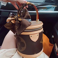 LV Cannes ladies classic presbyopia bucket bag cosmetic bag cylinder bag