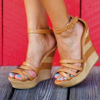 Back In Trouble Wedges: Light Brown   Hope's