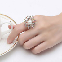 Arianna White Gold Flower Ring with Pearl