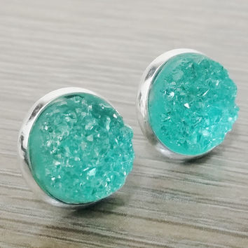 Druzy earrings-  Crystal mint drusy silver tone stud druzy earrings