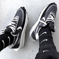 Sacai X Nike LVD WAFFLE joint deconstruction hit color running shoes Grey