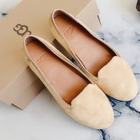 UGG sells fashionable deep patent-leather casual shoes for women