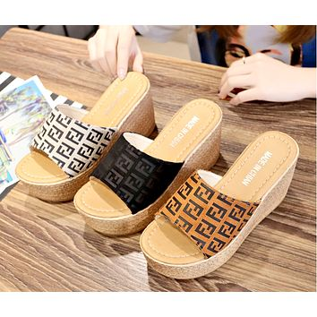 Fendi 2019 new female muffin thick bottom wedge fish mouth slippers