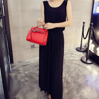 Solid Color Sleeveless Pleated Halter Dress