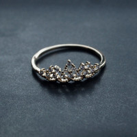 Luxury tiara ring /gold plated over brass/1pcs