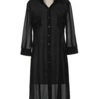 Featuring semi-sheer chiffon fabrication, classic shirt collar neckline with button up closure, quarter-length sleeves, two pockets at front, longline construction, and finished with stitching detail. Wear with black slip, crop top and jeans or you can wea