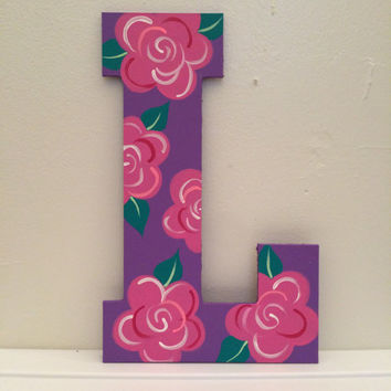 Hand painted letter 'L'