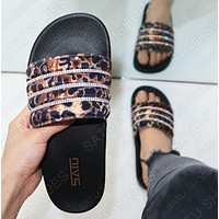 Fashion Woman Casual Leopard Grain Diamond Comfortable Flat Sandals Slippers Shoes