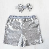 New Silver Sequin Baby Girl Shorts. Sequin Shorts for Baby Girls. Perfect for Smash Cake Photo Session. Birthday Outfit. Trendy Baby Clothes