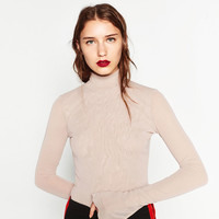 TULLE HIGH NECK TOP DETAILS