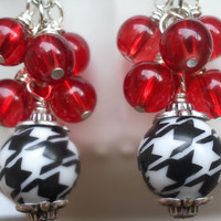 Houndstooth and red cluster dangle earrings