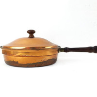 Italian Copper Skillet with Lid and Wood Top Knob / Vintage Decorative Pan / Chic Traditional Kitchen Decor