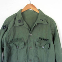 Vintage men's military green U.S. Army long sleeve shirt jacket coat with patches // L