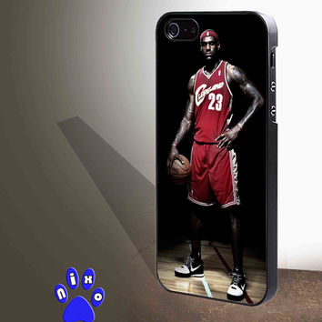 Lebron James Standing NBA Nike Basketball for iphone 4/4s/5/5s/5c/6/6+, Samsung S3/S4/S5/S6, iPad 2/3/4/Air/Mini, iPod 4/5, Samsung Note 3/4 Case **