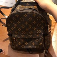 LV simple classic old-fashioned logo men and women wild backpack bag