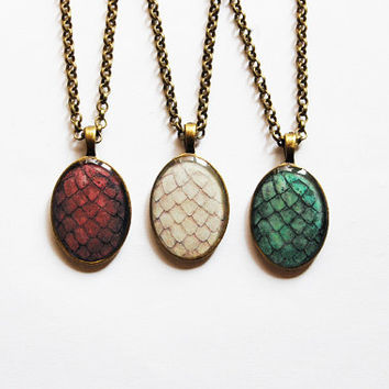 The Khaleesi Dragon Egg Necklace - Set of 3 Cameos - Daenerys Targaryen Stormborn Mother of Dragons - Handmade Game of Thrones Jewelry - BFF