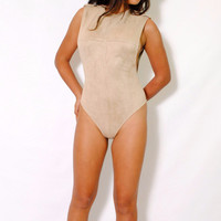 (alx) Side less authority beige bodysuit