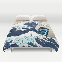 Tardis Doctor Who VS The Big Wave Duvet Cover by Pointsalestore