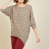 Sports Rapport Top in Medallions | Mod Retro Vintage Short Sleeve Shirts | ModCloth.com