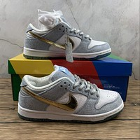 Morechoice Tuhh Sean Cliver X Nike Dunk Low Sb Holiday Special Casual Sneaker Skate Shoes Women Men Flats Dc9936-100