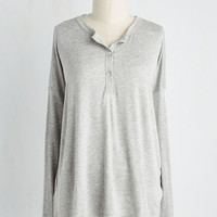 Minimal Mid-length Long Sleeve Sunday Morning Maven Top in Fog