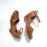 80s brown leather huaraches. women's wedge sandals. woven wedges.