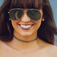 Keep Me Happy Choker: Gray