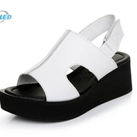 New women sandal shoes 2017 best-selling new genuine leather sandals Platform shoes woman fish head large size wedges sandals